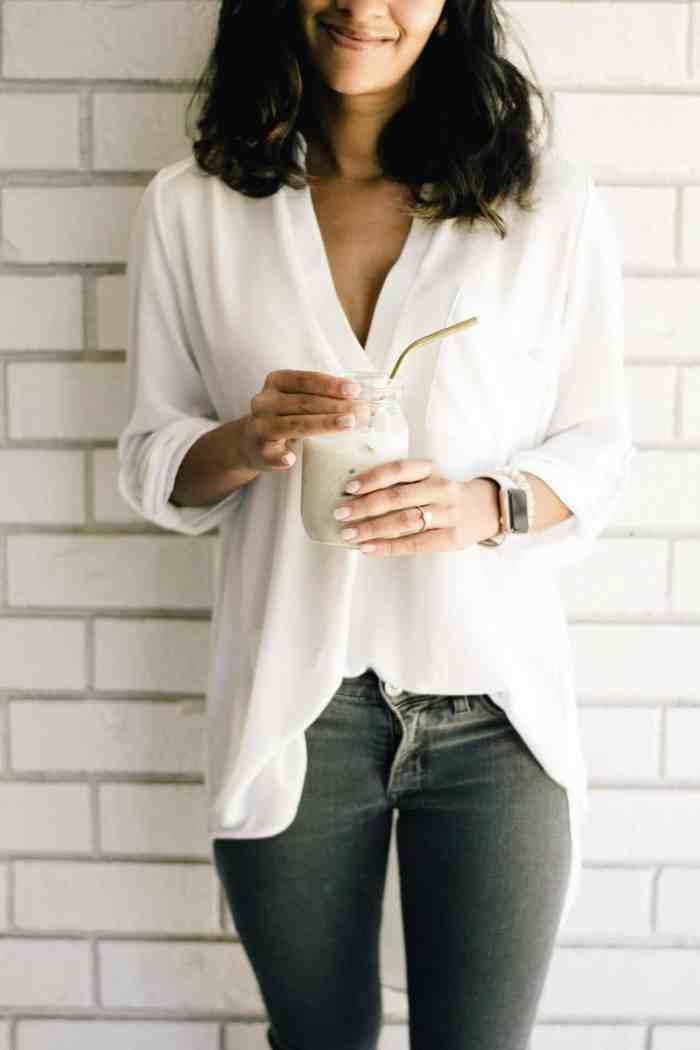 Iced Matcha Latte with Homemade Cashew Milk