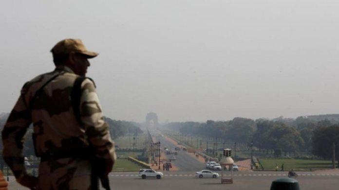 अर्धसैनिक बलों ने पहले कोविद -19 मामलों की रिपोर्ट की: बीएसएफ अधिकारी, सीआईएसएफ जवान परीक्षण सकारात्मक