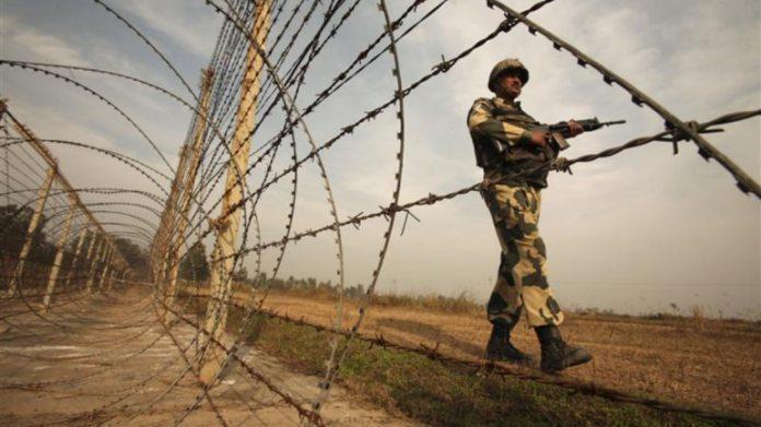 पुलिस अधिकारियों ने कहा कि पाकिस्तान ने बारामूला जिले के उरी इलाके में भी संघर्ष विराम का उल्लंघन किया। (फाइल फोटो: रॉयटर्स)