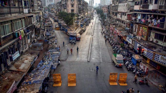 मुंबई के Md अली रोड पर 24 अप्रैल को फोटो खिंचवाई
