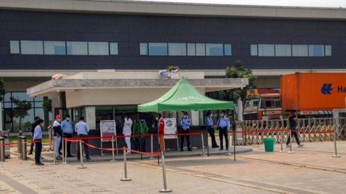 ग्रेटर नोएडा में ओप्पो फैक्ट्री की फाइल फोटो