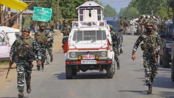 जैसे-जैसे खोज जारी थी, सुरक्षा बलों के पास पहुंचते ही आतंकियों ने गोलीबारी कर दी, जिससे मुठभेड़ शुरू हो गई। (फाइल फोटो: पीटीआई)