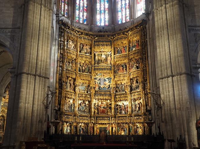 Oltar v katedrali