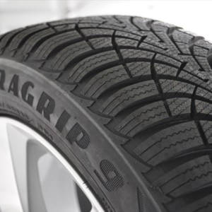 Anvelopa IARNA GOODYEAR 175/60R15 81T UG 9 MS