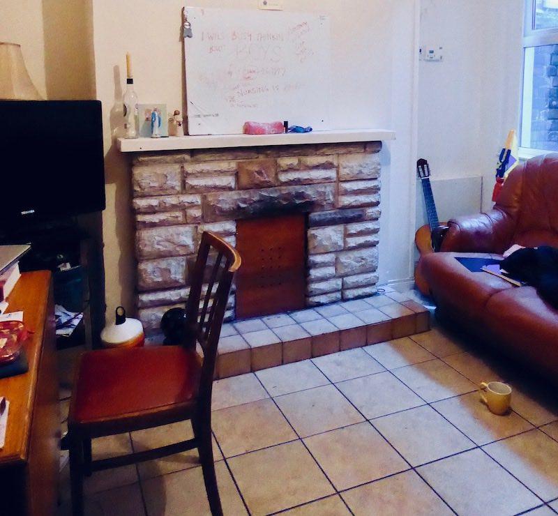 uni student living room
