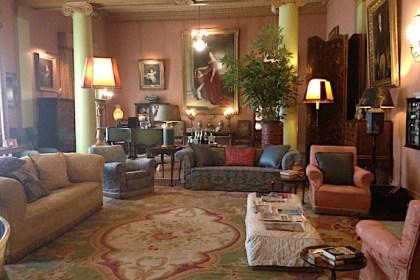 visitor: living room in Mountsewart