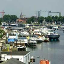 5: Wandeling Thorn bezoek Abdijkerk met film en Maas-Binnenvaartmuseum