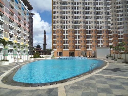 Kolam renang Apartemen Margonda Residence