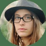 Stéphanie est Chef opératrice pour le Cinéma et la télévision, et formatrice chez Apaxxdesigns