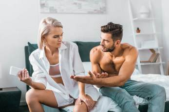 Partner demanding phone out of jealousy