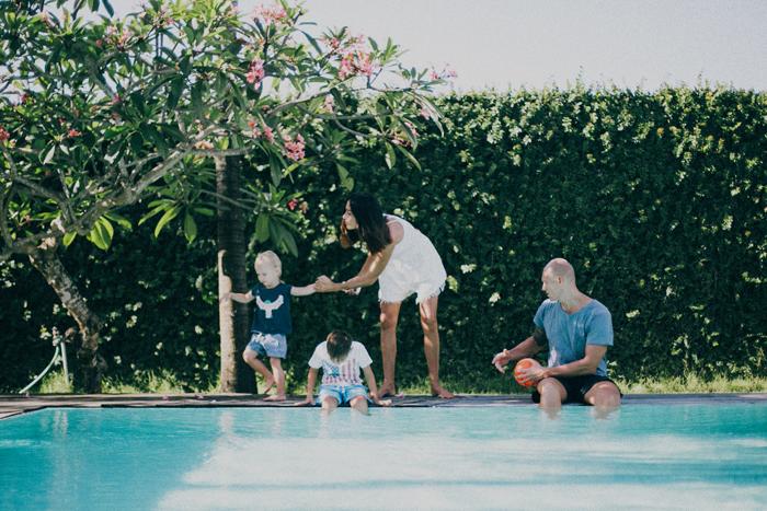 Bali Photography Service - Family Portrait - Bali Wedding Photography at Canggu Beach Bali - Apel photography (11)