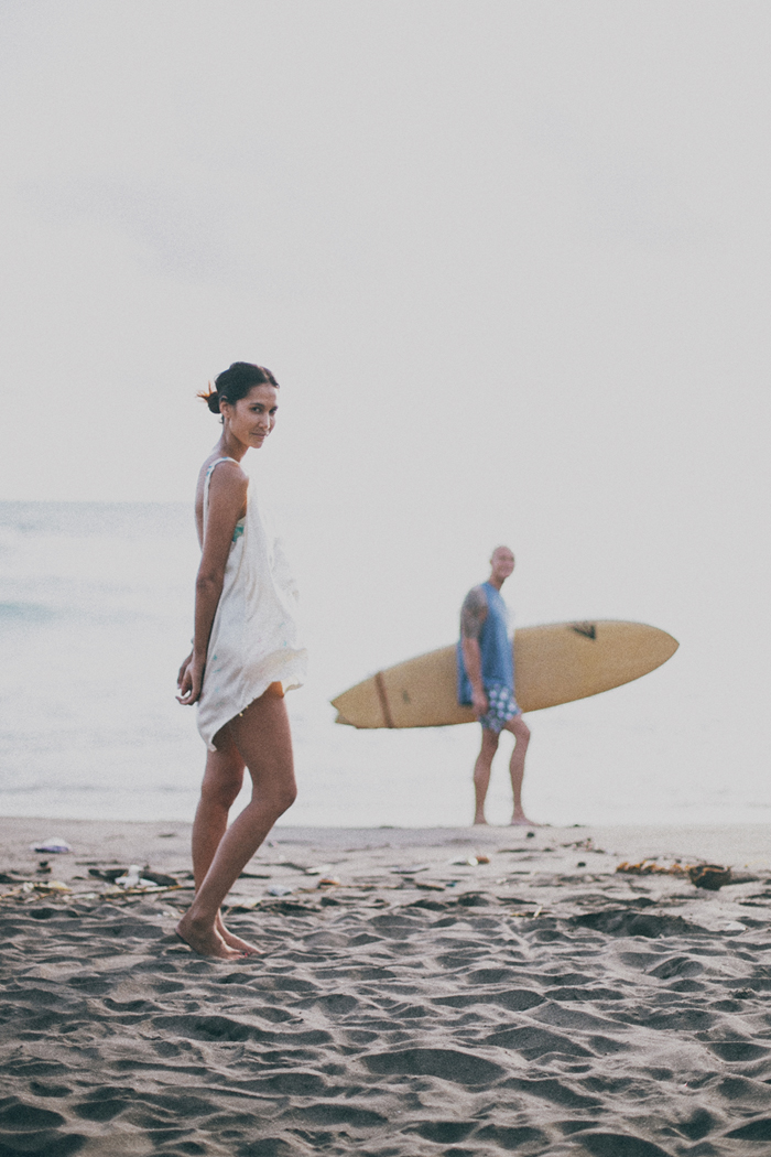 Bali Photography Service - Family Portrait - Bali Wedding Photography at Canggu Beach Bali - Apel photography (25)