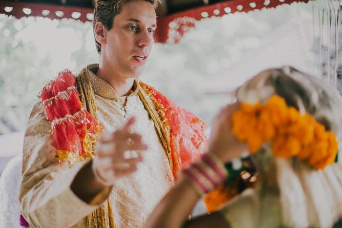 BaliWeddingPhotography - Wedding at Whotels - WRetreatandSpaBali - apel photography - indian ceremony hindus - photographers based in bali (17)