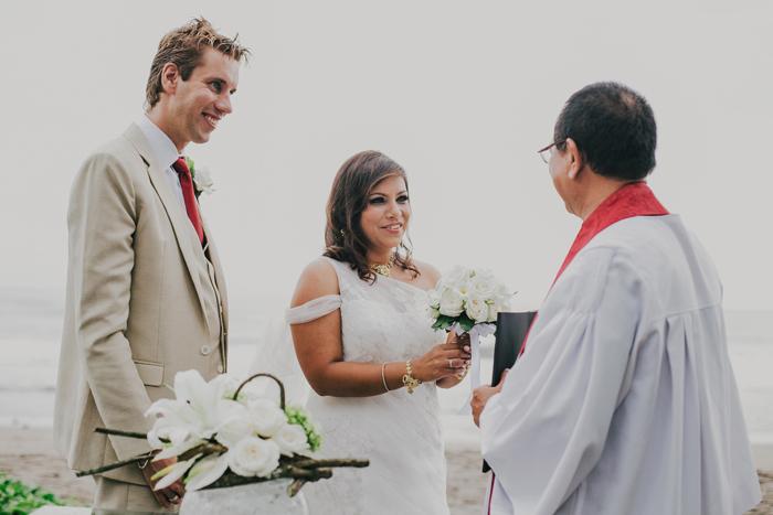 BaliWeddingPhotography - Wedding at Whotels - WRetreatandSpaBali - apel photography - indian ceremony hindus - photographers based in bali (34)