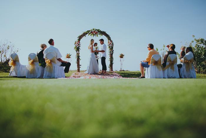 Apelphotography-NewKutaGolfWedding-Baliwedding-Bestweddingphotographers-Pandeheryana-BaliBeachWedding (25)