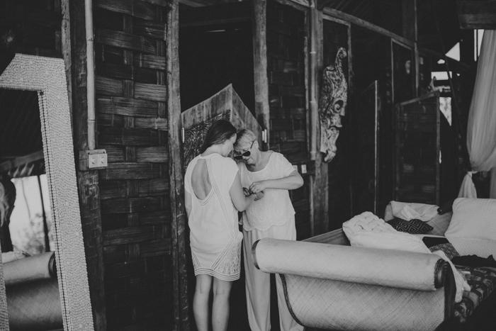 baliweddingphoto – weddingphotographers – destinationweddingbali – whitesandwedding – campuhanvillawedding – bestweddingphotographers (11)