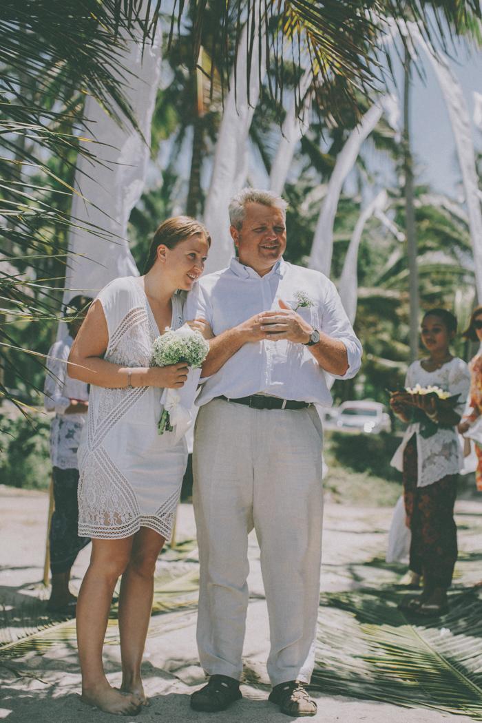 baliweddingphoto – weddingphotographers – destinationweddingbali – whitesandwedding – campuhanvillawedding – bestweddingphotographers (25)