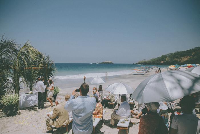 baliweddingphoto – weddingphotographers – destinationweddingbali – whitesandwedding – campuhanvillawedding – bestweddingphotographers (33)