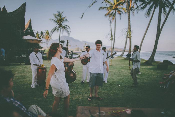 baliweddingphoto – weddingphotographers – destinationweddingbali – whitesandwedding – campuhanvillawedding – bestweddingphotographers (76)