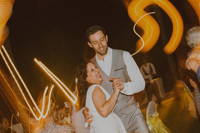 Pandeheryana_baliweddingphotography-baliwedding-photographersinbali-weddingatJeevaSaba-lombokweddingphoto-lembonganweddingphoto-nusapenida-bestweddingphotographers_200