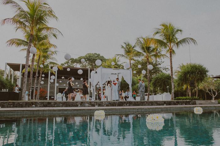 Pandeheryana_baliweddingphotography-baliwedding-photographersinbali-weddingatJeevaSaba-lombokweddingphoto-lembonganweddingphoto-nusapenida-bestweddingphotographers_53