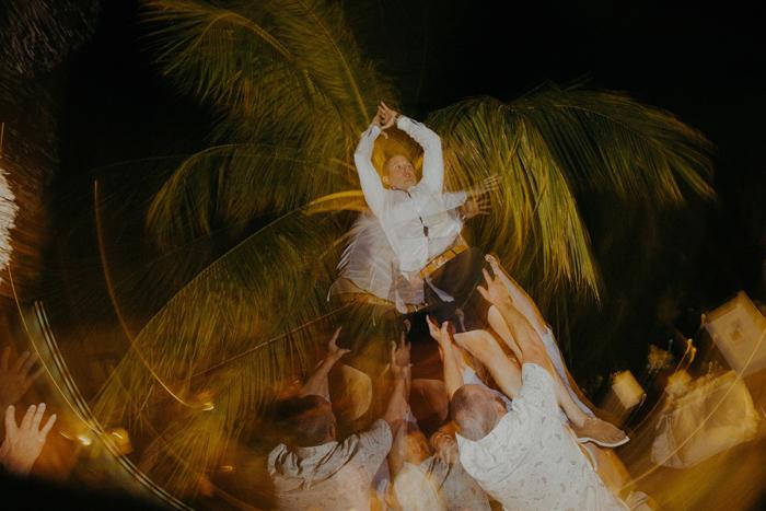 apelphotography-astonbaliwedding-weddingphotographers-baliweddingphotography-destinationwedding-lembonganwedding-lombokweddingphoto-bestweddingphotographersinbali-pandeheryana_111