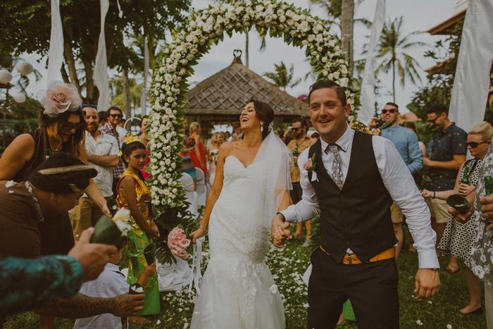 apelphotography-astonbaliwedding-weddingphotographers-baliweddingphotography-destinationwedding-lembonganwedding-lombokweddingphoto-bestweddingphotographersinbali-pandeheryana_60