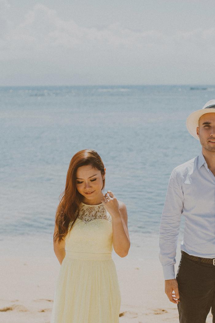 baliphotographers-baliweddingphoto-apelphotography-lembonganweddingphotography-lombokphotoswedding-engagement-preweddinginbali-pandeheryana_16
