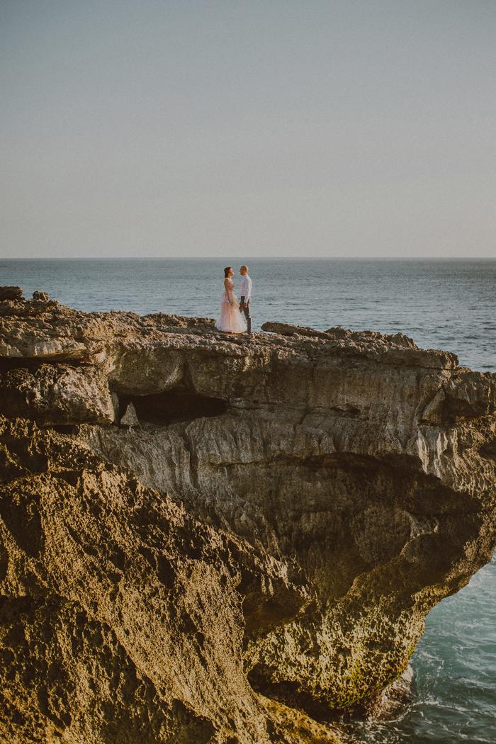baliphotographers-baliweddingphoto-apelphotography-lembonganweddingphotography-lombokphotoswedding-engagement-preweddinginbali-pandeheryana_18_
