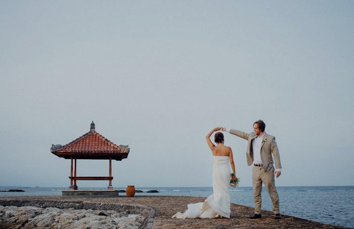baliweddingphotography-kayumanisnusaduawedding-apelphotography-lembonganwedding-lombokweddingphotography-pandeheryana-bestweddingphotographers_98