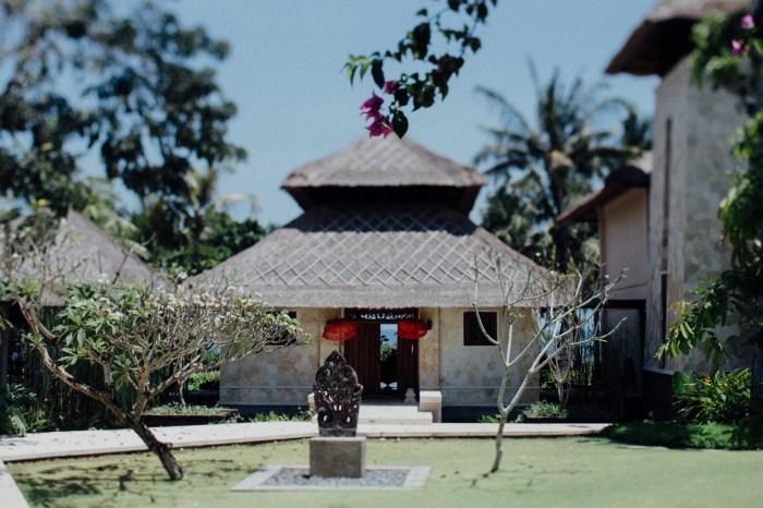 Baliweddingphotographers-arikavillaweddingcanggu-baliwedding-pandeheryana-destinationwedding-10
