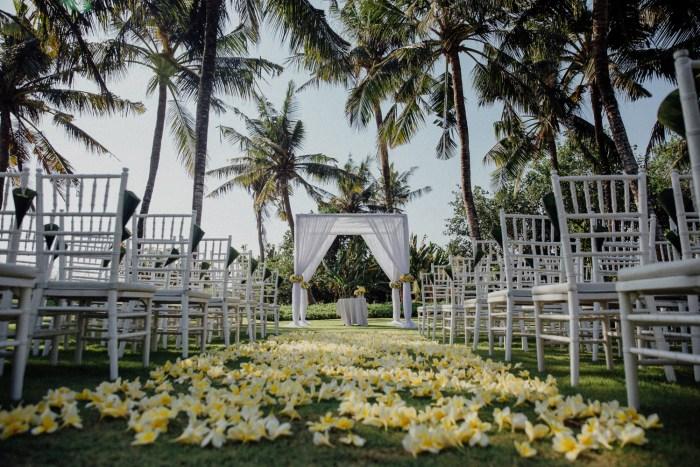 Baliweddingphotographers-arikavillaweddingcanggu-baliwedding-pandeheryana-destinationwedding-5