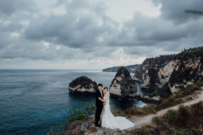 baliweddingphotography-preweddinginnusapenidaisland-lembonganprewedding-lombokweddingphotography-pandeheryana-bestweddingphotography_nusapenidaprewedding-nusapenidahotels-13
