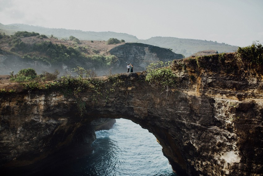baliweddingphotography-preweddinginnusapenidaisland-lembonganprewedding-lombokweddingphotography-pandeheryana-bestweddingphotography_nusapenidaprewedding-nusapenidahotels-31