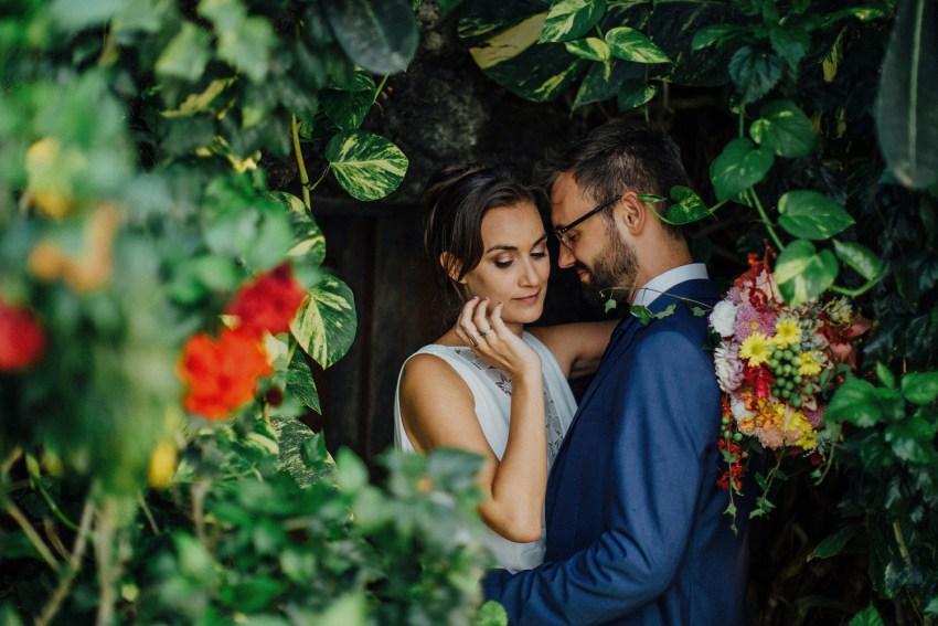 ApelPhotographyh-baliweddingphotographers-uluwatusurfvillaswedding-pandeheryana-bestweddingphotograhpers-baliphotography-nanouandguiwedding-lombokweddingphotography-77