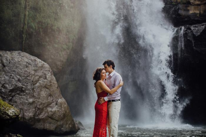 baliweddingphotographers-pandeheryana-bestbaliphotographers-weddinginbali-preweddinginbali-engagementphotography-vscofilmpreset-lombokweddingphotography_68