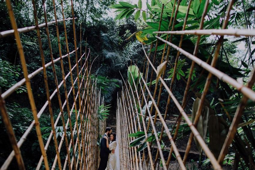 baliweddingphotographers-bambuindahresortubud-weddinginbali-weddingphotography-pandeheryana-bestweddingphotography-lombokweddingphoto-lembonganwedding-topweddingphotographersinbali-12