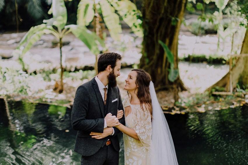 baliweddingphotographers-bambuindahresortubud-weddinginbali-weddingphotography-pandeheryana-bestweddingphotography-lombokweddingphoto-lembonganwedding-topweddingphotographersinbali-4