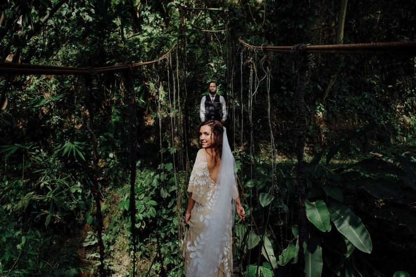 baliweddingphotographers-bambuindahresortubud-weddinginbali-weddingphotography-pandeheryana-bestweddingphotography-lombokweddingphoto-lembonganwedding-topweddingphotographersinbali-59