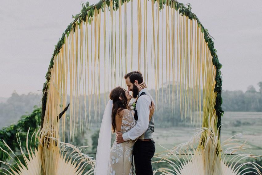 baliweddingphotographers-bambuindahresortubud-weddinginbali-weddingphotography-pandeheryana-bestweddingphotography-lombokweddingphoto-lembonganwedding-topweddingphotographersinbali-73