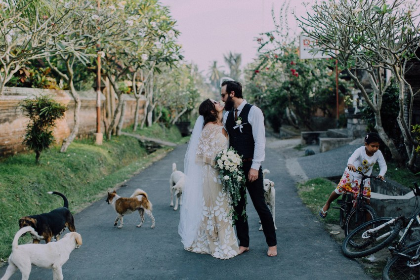 baliweddingphotographers-bambuindahresortubud-weddinginbali-weddingphotography-pandeheryana-bestweddingphotography-lombokweddingphoto-lembonganwedding-topweddingphotographersinbali-87