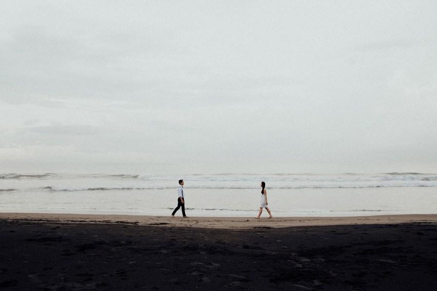 baliweddingphotographers-lembonganislandwedding-lombokweddingphotographers-pandeheryana-engagement-postweddinginbali-baliphotographers-11_