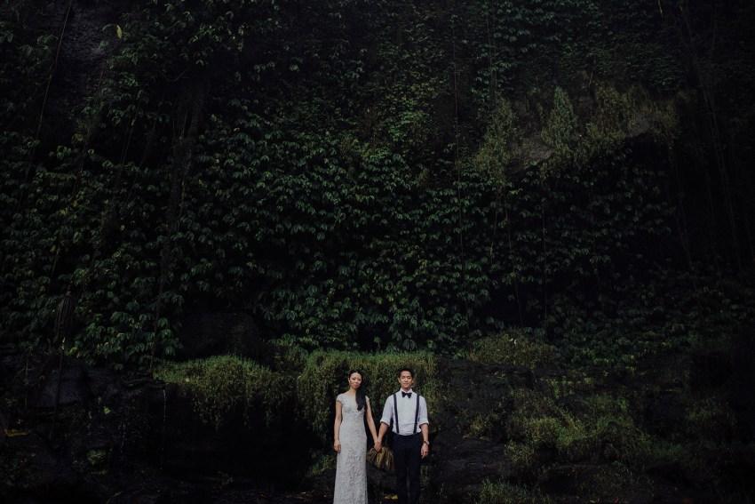 baliweddingphotographers-lembonganislandwedding-lombokweddingphotographers-pandeheryana-engagement-postweddinginbali-baliphotographers-25