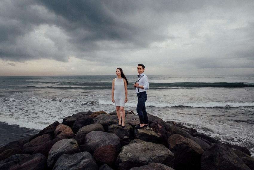 baliweddingphotographers-lembonganislandwedding-lombokweddingphotographers-pandeheryana-engagement-postweddinginbali-baliphotographers-2_