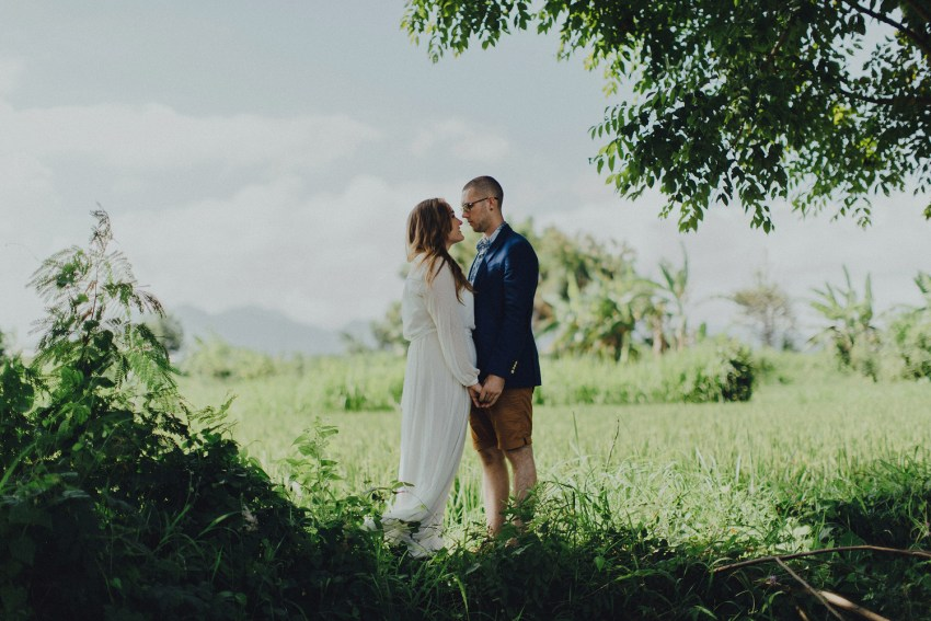 baliweddingphotographers-weddinginkarangasembukitasah-engagementphotography-elopmentweddinginbali-pandeheryana-lombokweddingphotographers-lembonganwedding-apelphotography-12