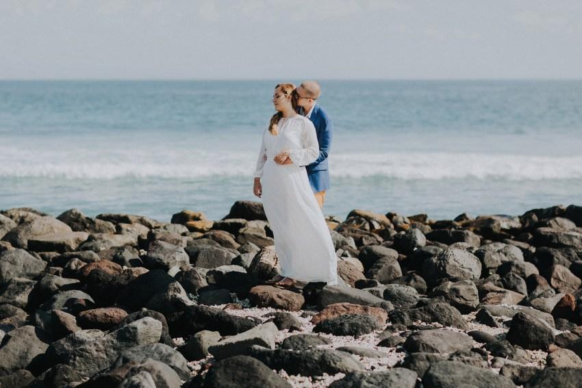 baliweddingphotographers-weddinginkarangasembukitasah-engagementphotography-elopmentweddinginbali-pandeheryana-lombokweddingphotographers-lembonganwedding-apelphotography-28