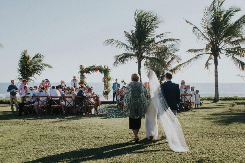villaatasombakwedding-baliweddingphotography-pandeheryana-apelphotography-bestweddingphotographersinbali-38