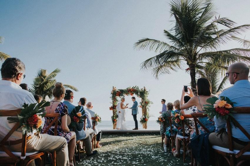 villaatasombakwedding-baliweddingphotography-pandeheryana-apelphotography-bestweddingphotographersinbali-40