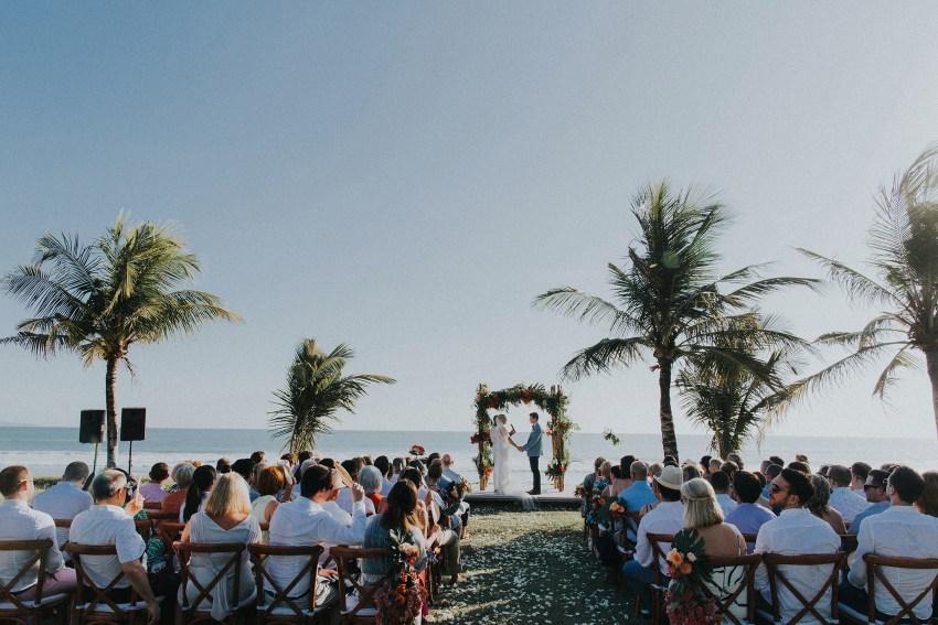 villaatasombakwedding-baliweddingphotography-pandeheryana-apelphotography-bestweddingphotographersinbali-5