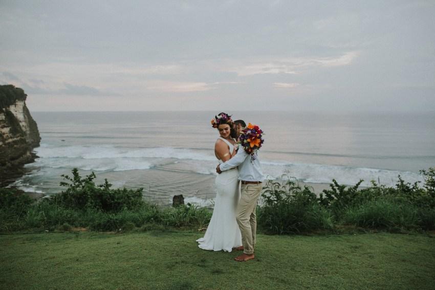 apelphotography-baliweddingphotography-lombokwedding-lembonganwedding-uouwatusurfvillawedding-bestweddingphotographersinbali_100